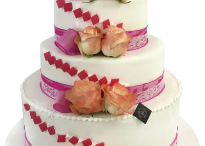 wedding-cake-damier-rose-bd